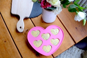pink heart cakes