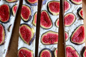 Fig cashew coco cakes