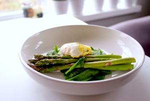 Steamed Asparagus Breakfast
