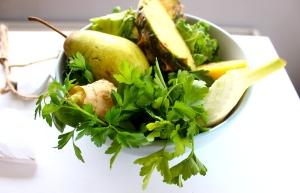 pear pineapple fennel juice