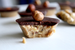 buttery nut cake