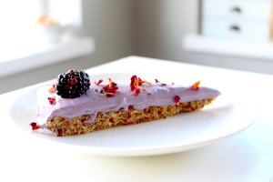 blackberry raw health cake