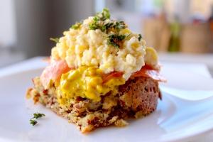 Scrambled Egg on Quinoa Bread